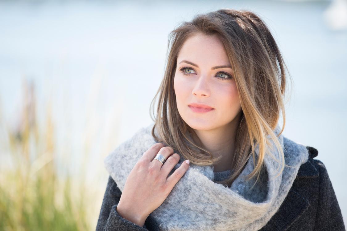 INTERLOCKS model Emily
